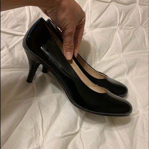 Bass Heels - Black
